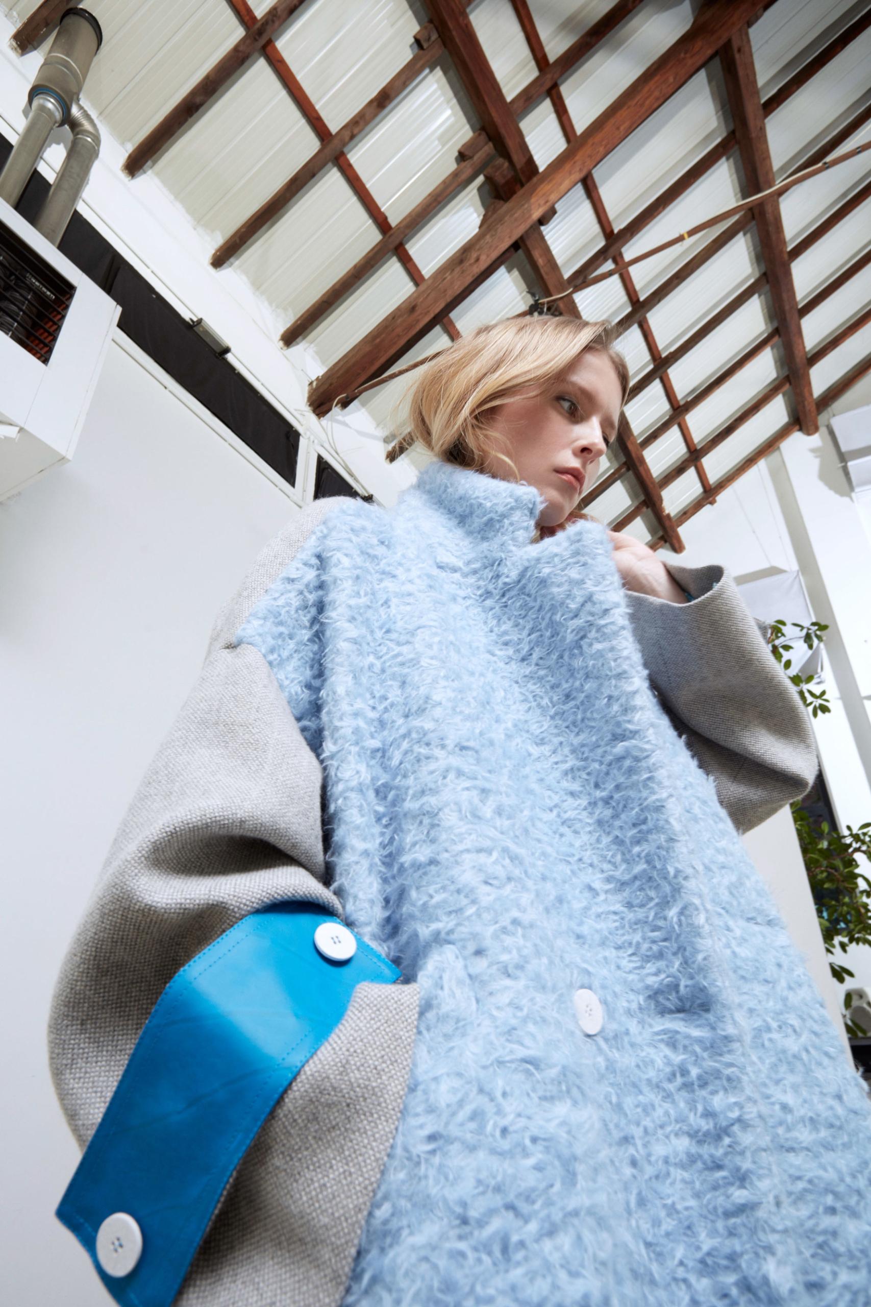 Bav-Tailor-cappotto-azzurro-dettaglio