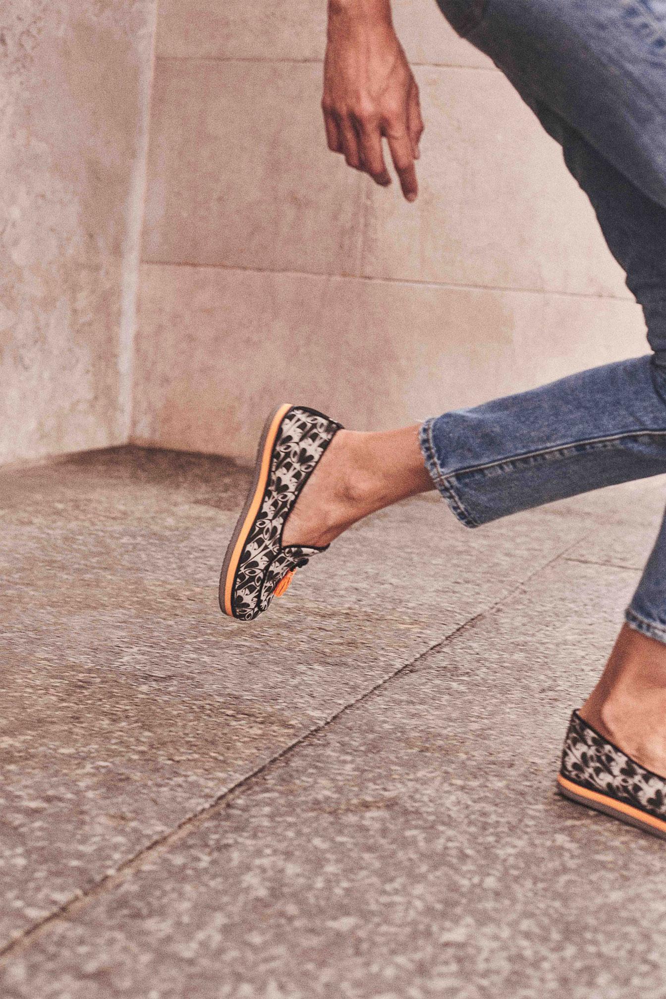 Dotz-scarpe-donna-bianche-nere-1